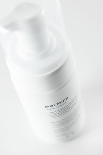 bluem oral foam on-the-go_sfeer_2